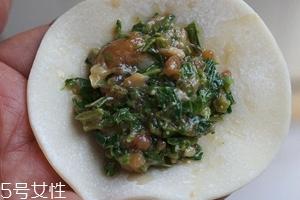香椿水饺怎么做好吃?超详细香椿豆腐饺子做法