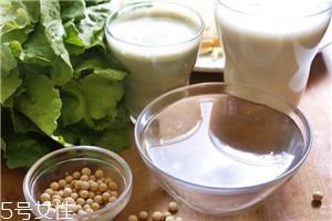 用豆浆机打豆浆豆子和水的比例多少最好