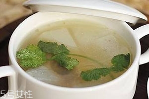 牛骨汤为什么不白 奶白牛骨汤熬制方法