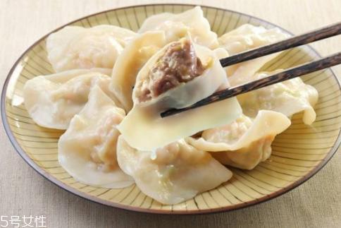 饺子皮怎么做最软?4个小妙招让饺子皮又软又劲道