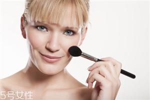 化妆步骤的正确步骤 新手化妆需要的基本用品