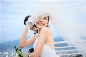 新娘发型图片2018款教程 结婚的时候给化妆师看