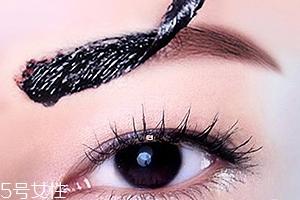眉胶的正确用法图解 一抹一撕摆脱无眉窘境