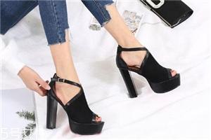 高跟鞋要怎么走路?高跟鞋这样穿更优雅