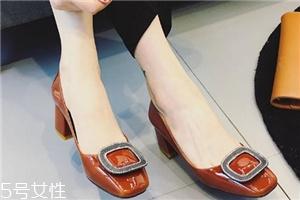 腿短穿什么鞋子 腿粗腿短穿什么鞋子好看?视觉上拉长腿部比例