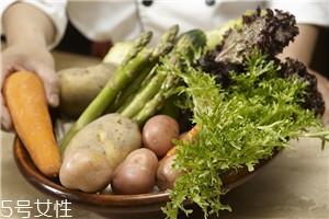 做沙拉用什么蔬菜 有什么蔬菜可以做沙拉