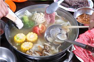 吃火锅先放什么菜好吃