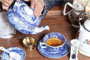 英国人喜欢喝什么茶 英国人为什么喜欢喝茶