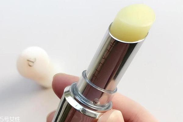 cpb精纯修护唇膏好用吗?不粘腻不泛油