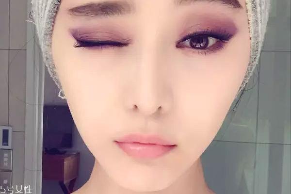 紫色眼妆图片