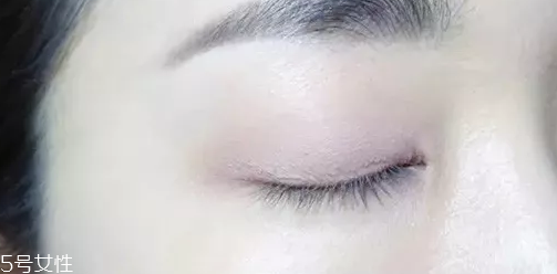 紫色眼妆视频图片