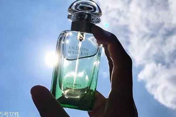 爱马仕屋顶花园香水香评 治愈你的小清新