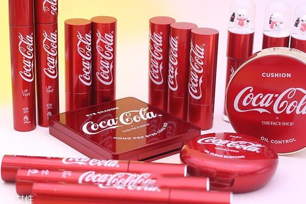 可口可乐彩妆有哪些?可口可乐联名菲诗小铺彩妆盘点