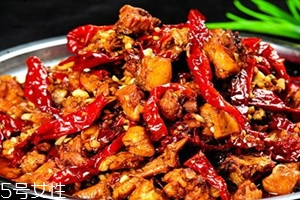 辣子鸡怎么做好吃 加热即可
