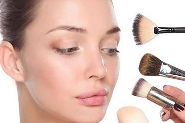 卸妆水用多了伤皮肤吗?敏感肌用温和卸妆水