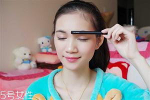 内眼线怎么卸妆 画内眼线产品推荐