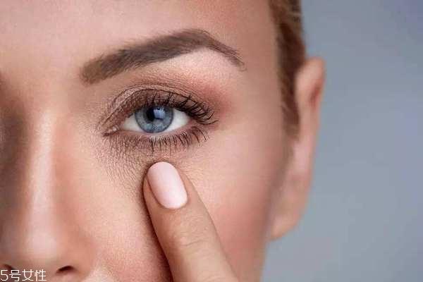 50岁用的提拉眼霜推荐 熟龄肌眼霜使用指南