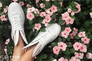 小白鞋适合跑步吗?这几类小白鞋不适合跑步
