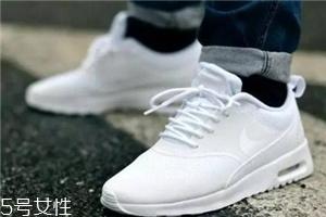 穿小白鞋配什么袜子?小白鞋袜子搭配图片