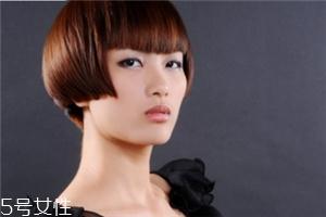 染发烫发的最佳间隔时间 染发和烫发一起做的危害