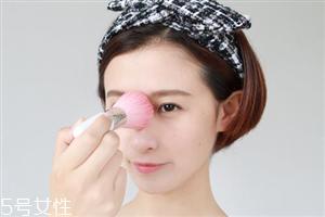 定妆粉如何挑选 定妆粉和粉饼的区别