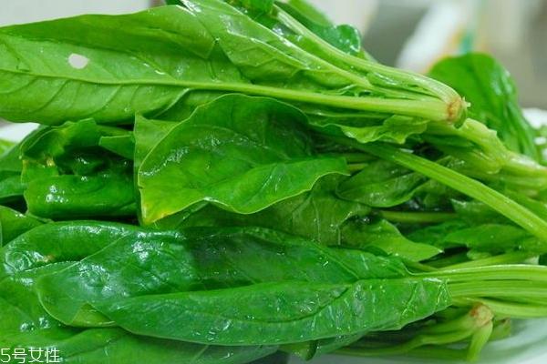 焯菠菜的水能洗脸吗 焯菠菜的水有哪些用途