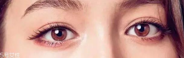 眼睛太圆怎么画眼线图片