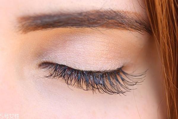 美容油能当睫毛增长液用吗 美容油的4大用法