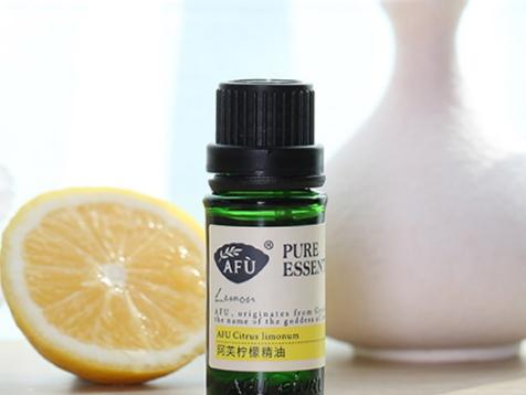 柠檬精油功效与用法图片