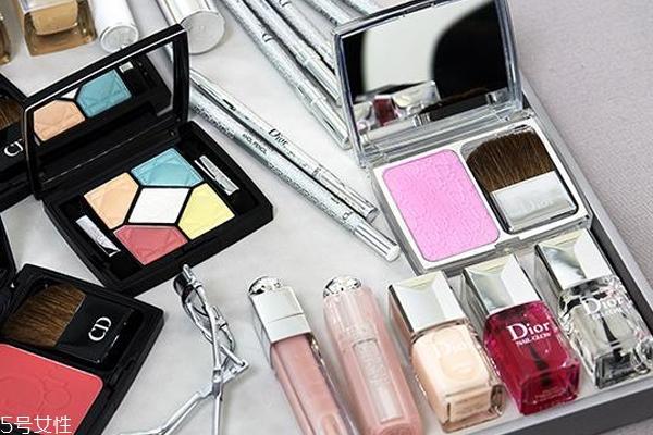 迪奥彩妆哪些产品好用 dior2018热卖产品清单