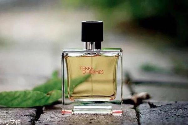 香水每次喷多少泵 香水使用指南