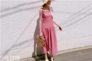 格子连衣裙搭配什么鞋子?格子连衣裙搭配技巧