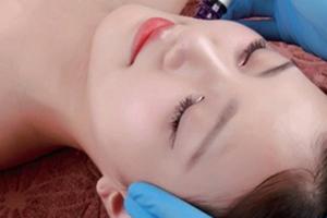韩国小泡泡多久做一次?干性皮肤油性皮肤使小泡沫频频出现