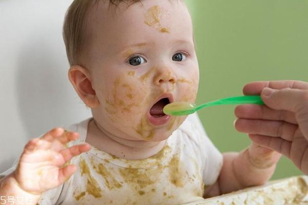 1到3岁奶与辅食哪个重要 1到3岁怎么补充营养