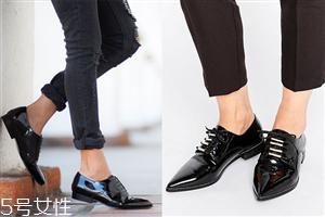 女生经典小皮鞋怎么搭配好看