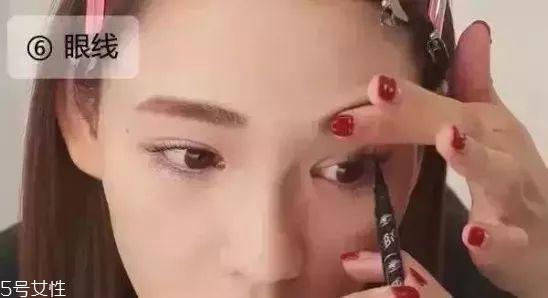 眼影搭配口红图片