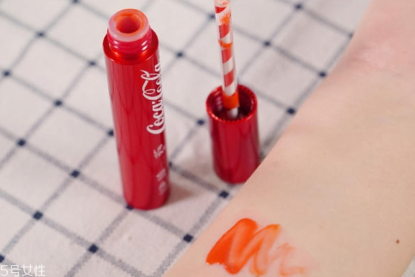 可口可乐唇釉怎么样 可口可乐唇釉评测