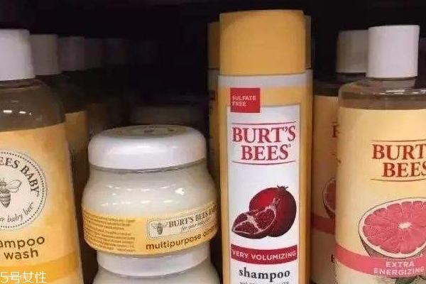 伯特小蜜蜂唇膏哪款最显色 超显色的小蜜蜂唇膏笔盘点