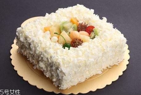 8寸蛋糕放多少淡奶油 8寸蛋糕淡奶油用量