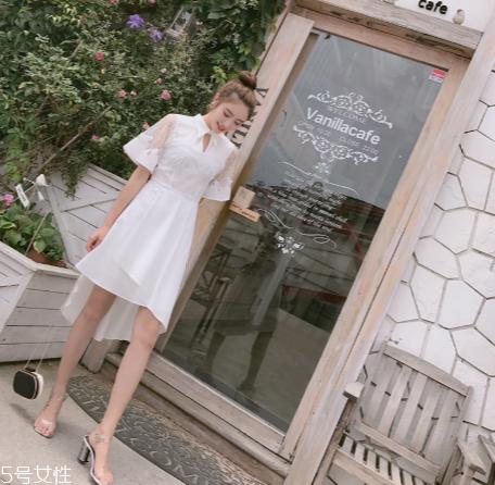 小白裙怎么搭配?小白裙搭配技巧