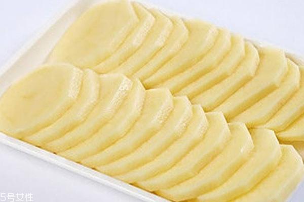 土豆美白面膜适合敏感肌吗 土豆美白面膜适合肤质
