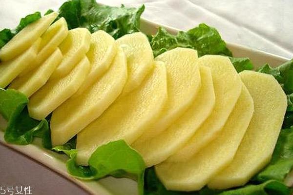 土豆美白面膜 土豆美白面膜白天敷好还是晚上敷好 土豆美白面膜注意事项
