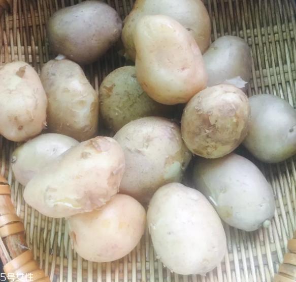 油炸土豆泥茄盒的做法 土豆加茄子的美食
