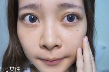 混合肌底妆步骤 夏日混合肌的底妆上妆法