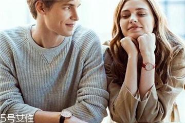 情侣手表怎么搭配?情侣表搭配建议