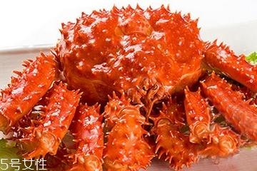 帝王蟹是什么颜色的?帝王蟹哪个颜色好?