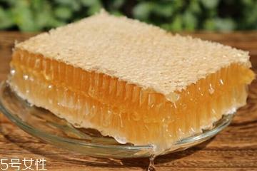 蜂蜡护肤品适合什么肤质 蜂蜡对皮肤的作用