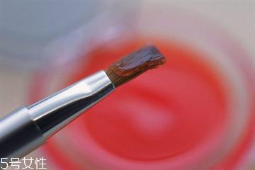 唇刷每次使用后要清洗吗 唇刷用完要洗吗