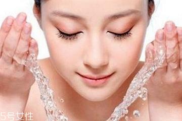 混合性皮肤用什么护肤品好 混合性皮肤怎么补水