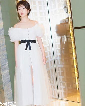 小白裙配什么鞋子好看 颜色款式大起底